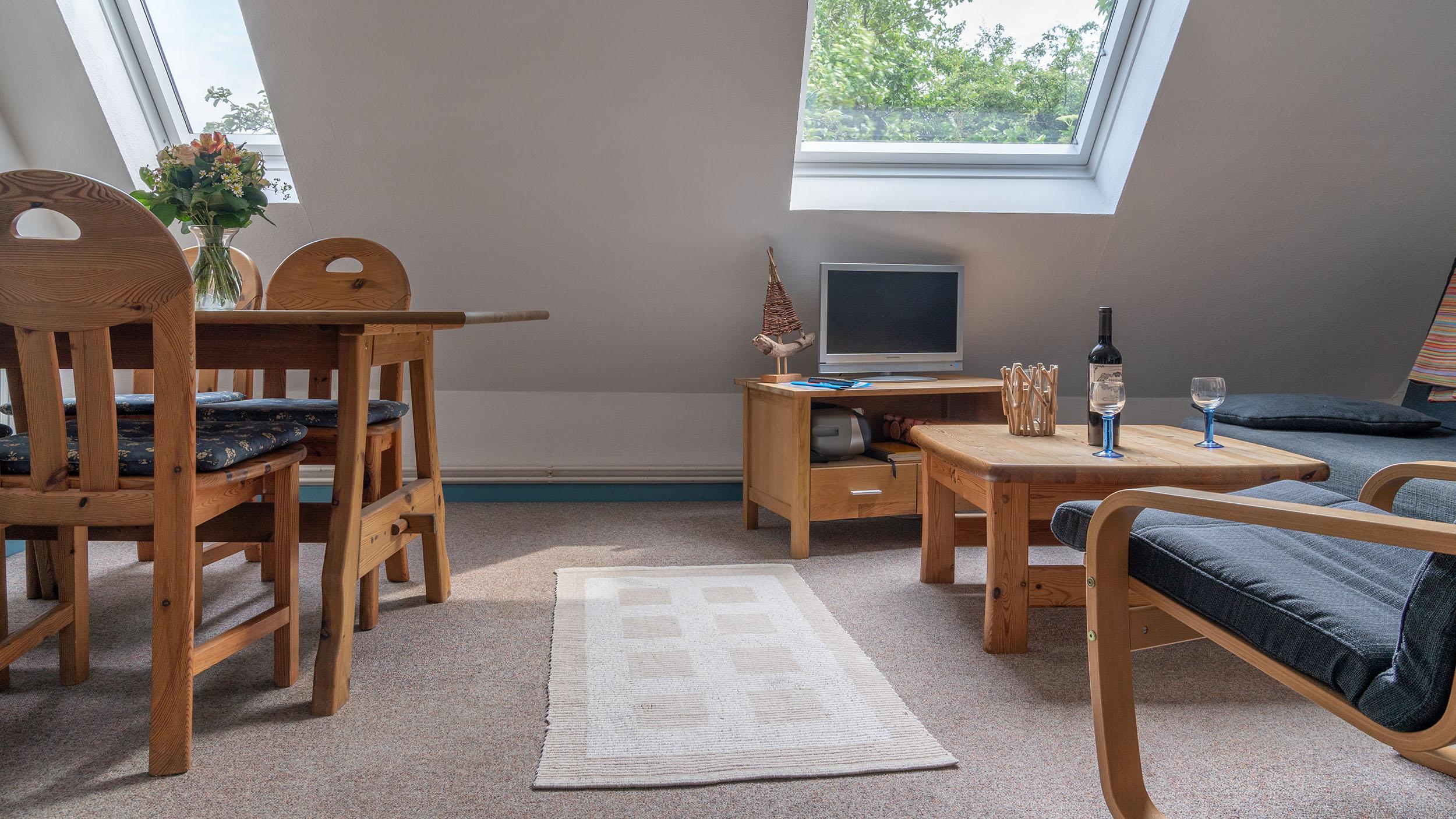 Haus Vogelkiek - Ferienwohnung Silbermöwe - Wohnzimmer